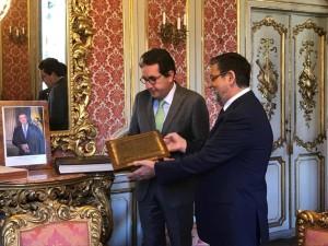 Consegna Targa per la Pace alla Colombia